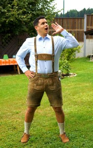 Surviving Europe: How to Buy a Outfit for Oktoberfest - 1