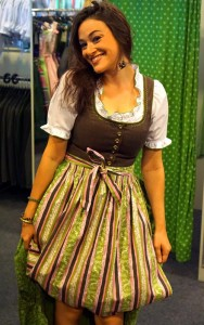 Surviving Europe: How to Buy a Outfit for Oktoberfest - 8