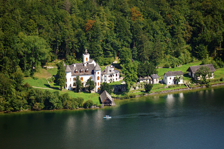 Surviving Europe: Salzburg Day Trips 10 Austrian Lakes Worth a Visit - Castle Grub