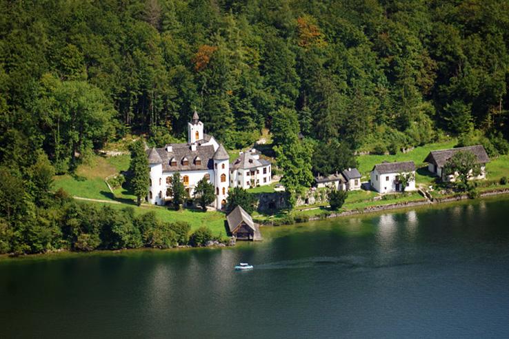 Surviving Europe: Salzburg Day Trips 10 Austrian Lakes Worth a Visit - Castle Grub