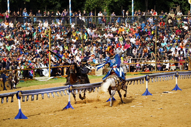 Surviving Europe: Kaltenberger Ritterturnier: Largest Jousting Tournament in the World - Joust Hit