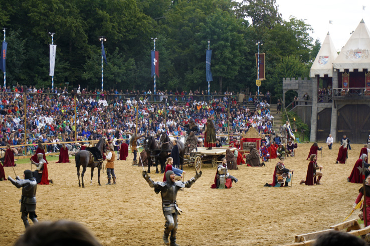 Surviving Europe: Kaltenberger Ritterturnier: Largest Jousting Tournament in the World - Battle Scene