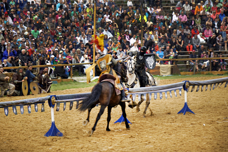 Surviving Europe: Kaltenberger Ritterturnier: Largest Jousting Tournament in the World - Jousting Hit