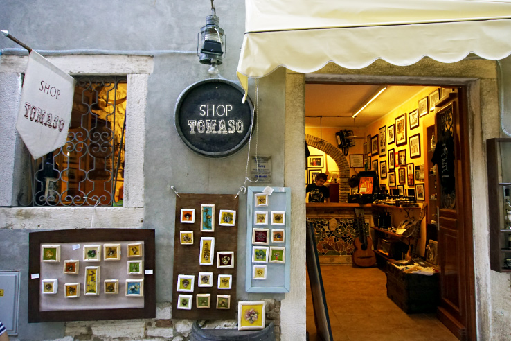 Surviving Europe: What to Buy in Rovinj Crafts and Souvenirs from Croatia - Tomaso